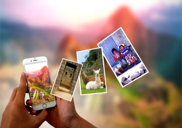 Photo sharing from the smartphone - Instant pictures concept